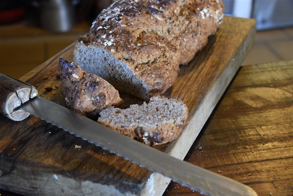 לחם ללא שמרים ב-5 דקות (צילום: אביהו שפירא)