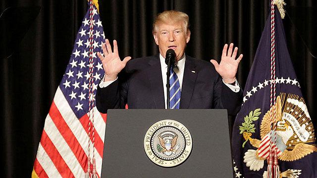 """""""השיטה שבכוחה לחבר בין שני הגושים בארה""""ב ולשים קץ לסכסוך האמריקאי היא שיטת אברהם"""". האם הוא יצייץ כך בטוויטר? (צילום: רויטרס)"""