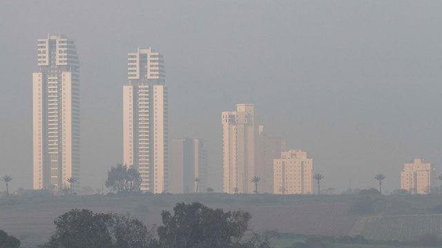 הבוקר: ערפל בנתניה (צילום: עידו ארז) (צילום: עידו ארז)