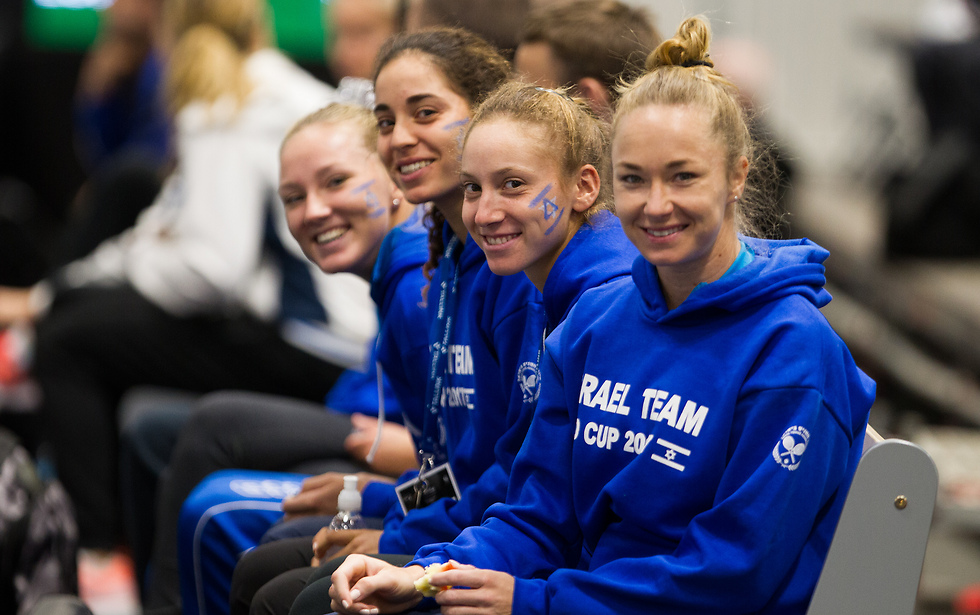 """נבחרת הפדרציה. """"הטניס הנשי בארץ על הפנים"""" (צילום: ניר קידר, איגוד הטניס)"""