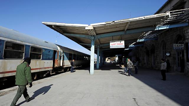 תחנת הרכבת בגדד והקו שמקשר בין מזרח למערב העיר (צילום: רויטרס) (צילום: רויטרס)
