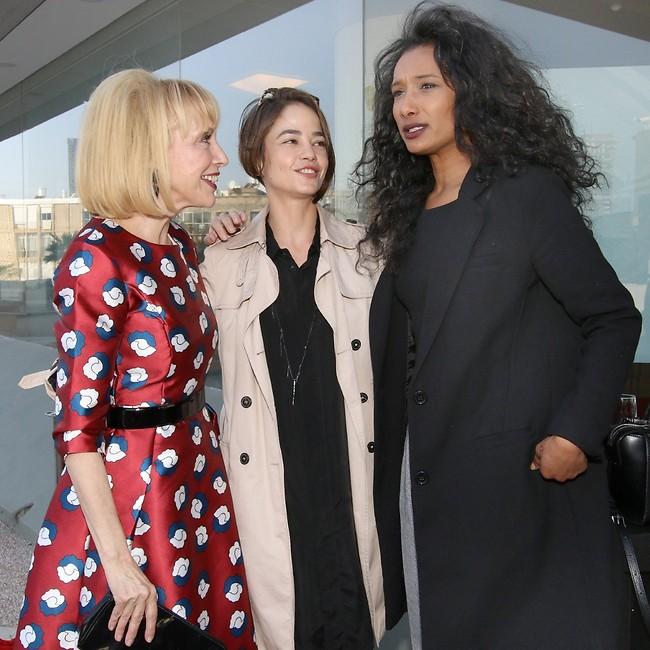 על מה מדברות? רות אסרסאי, בת חן סבג וגילת אנקורי (צילום: ענת מוסברג)