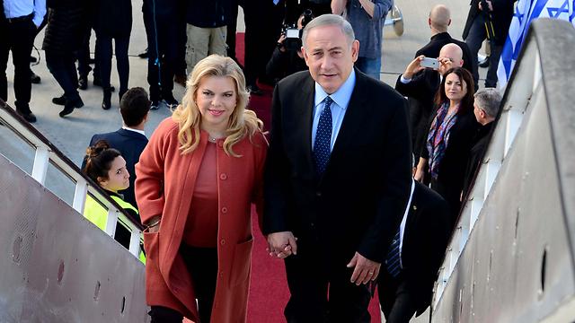 PM Netanyahu and his wife Sara depart to Washington (Photo: Avi Ohion/GPO)