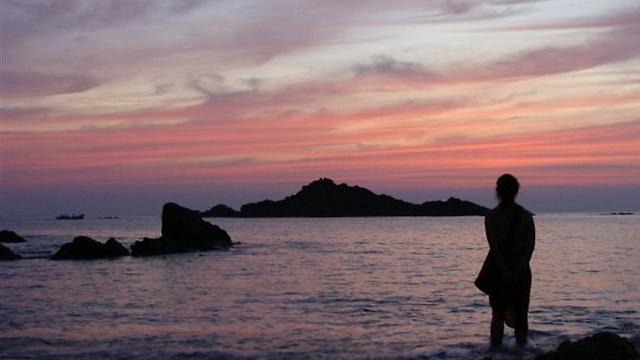 אם התלהבתם מהמקום ביום, חכו ללילה הזוהר במים (צילום: אסף קוזין)