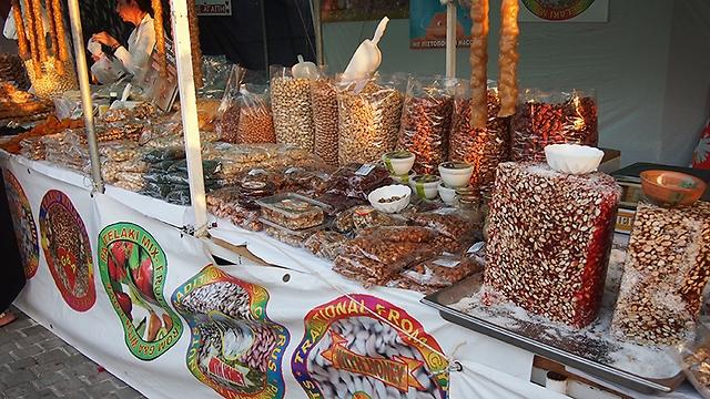 במדרחוב תמצאו גלריות, מסעדות ושוק קטן עם מגוון מטעמים אותנטיים (צילום: דקלה סמית')