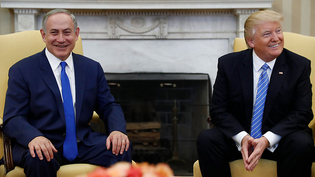 Wednesday's meeting at the White House. When Netanyahu decides to grovel, nothing will stop him, not even the facts (Photo: AP) (Photo: AP)