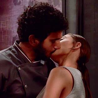 """מתנשק עם רוסלנה ב""""פולמון"""""""