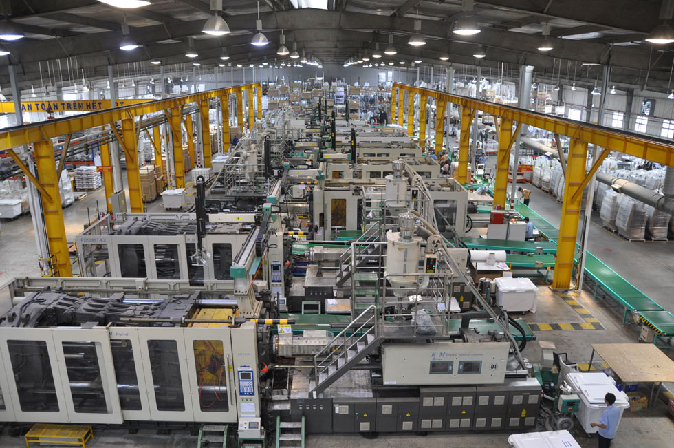 אחד משמונת המפעלים של סקנקום, ליד סייגון, וייטנאם. ''זה גן עדן של ייצור'', מספרת כהנר. ''לה לה לנד למעצב, שמאפשר לשחק'' (צילום: ScanCom Vietnam)