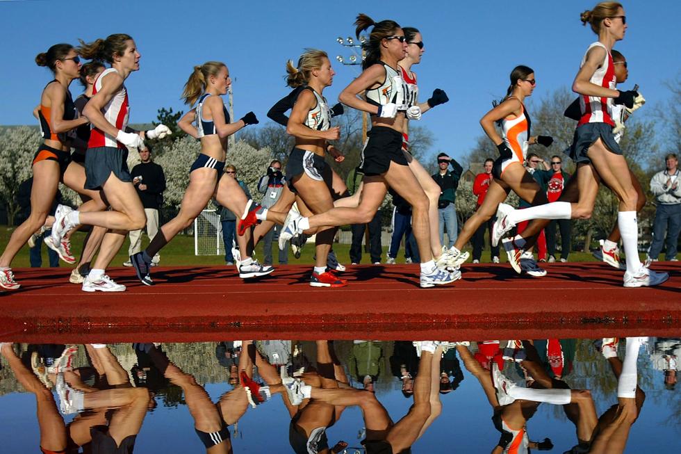 """מתברר שהיום להגיד """"אני רץ"""" זה תירוץ לגיטימי להזיע את עצמך על הזולת, בכל מקום ובכל משקל וגיל (צילום: Gettyimages)"""