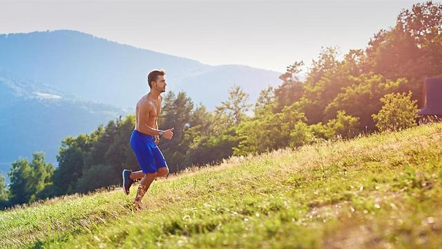 זה הזמן להתכונן לעונת המירוצים עם אימוני ריצה בעלייה ()