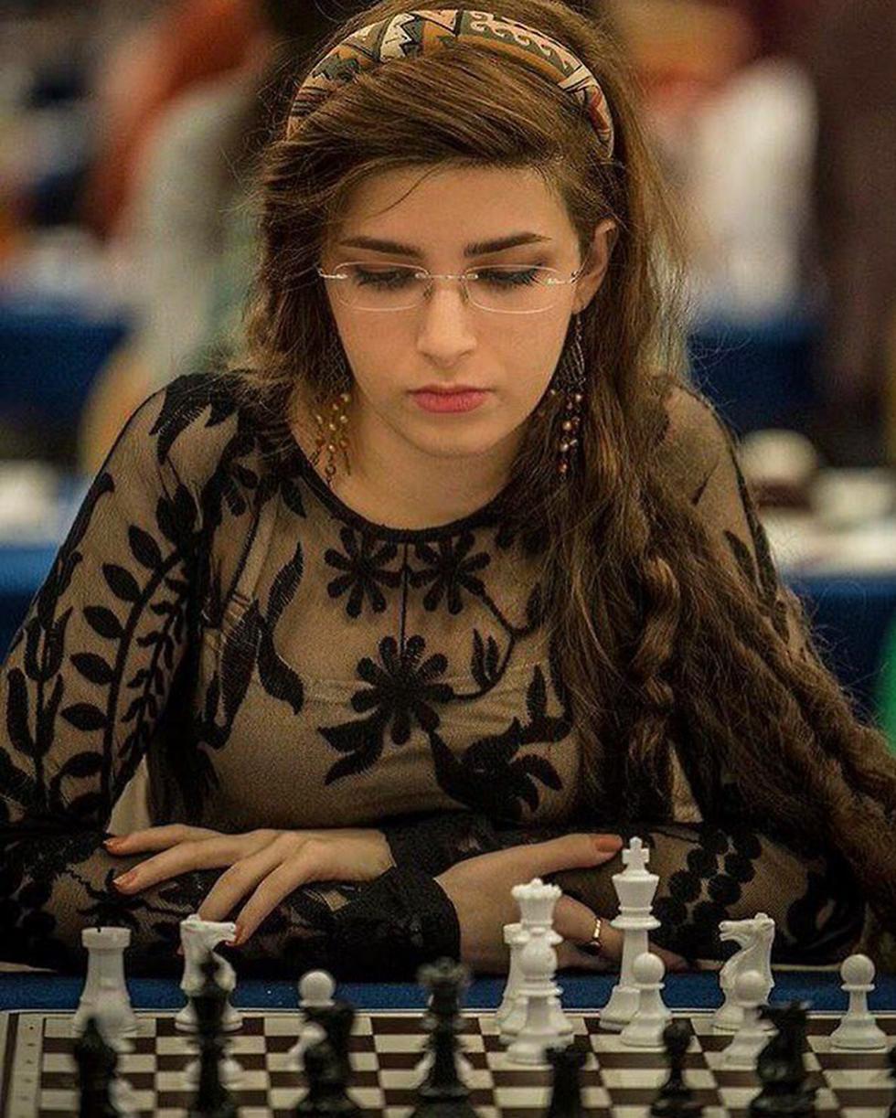 השחקנית דורסה דחרשאני סולקה מהנבחרת האיראנית (מתוך טוויטר) (מתוך טוויטר)