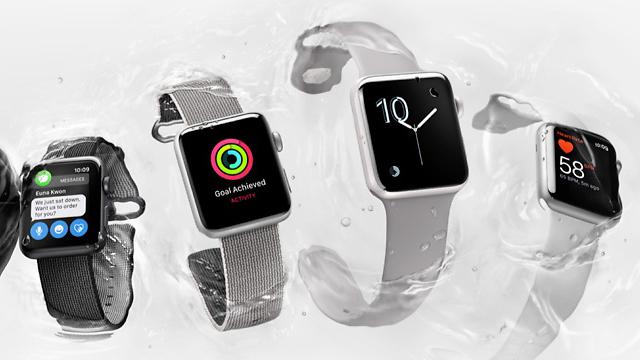 שעוני אפל עם חיישן למדידת דופק (צילום: Apple) (צילום: Apple)