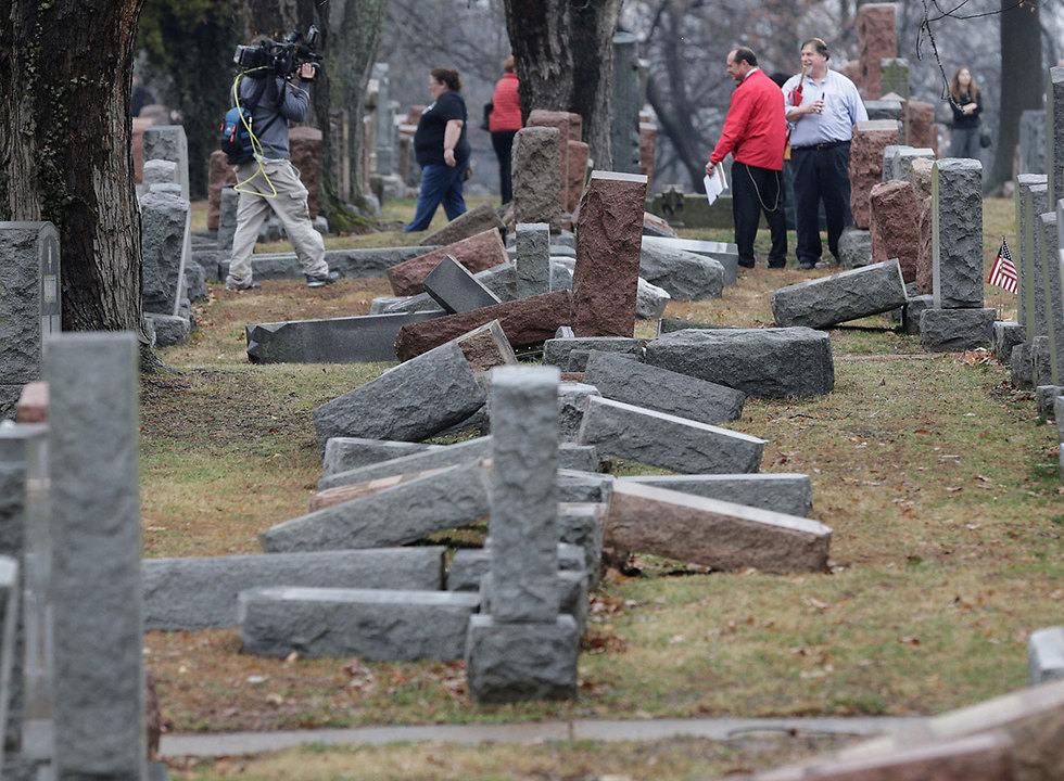 Toppled headstones at the vandalized Jewish cemetary in St. Louis (Photo: Reuters)
