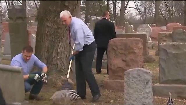 Vice President Pence aiding in cleaning up vandalized St. Louis Jewish cemetary