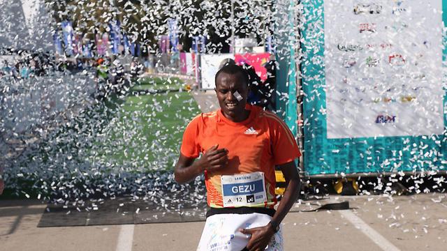 מקונן בלאטה מאתיופיה: מקום ראשון (צילום: מוטי קמחי) (צילום: מוטי קמחי)