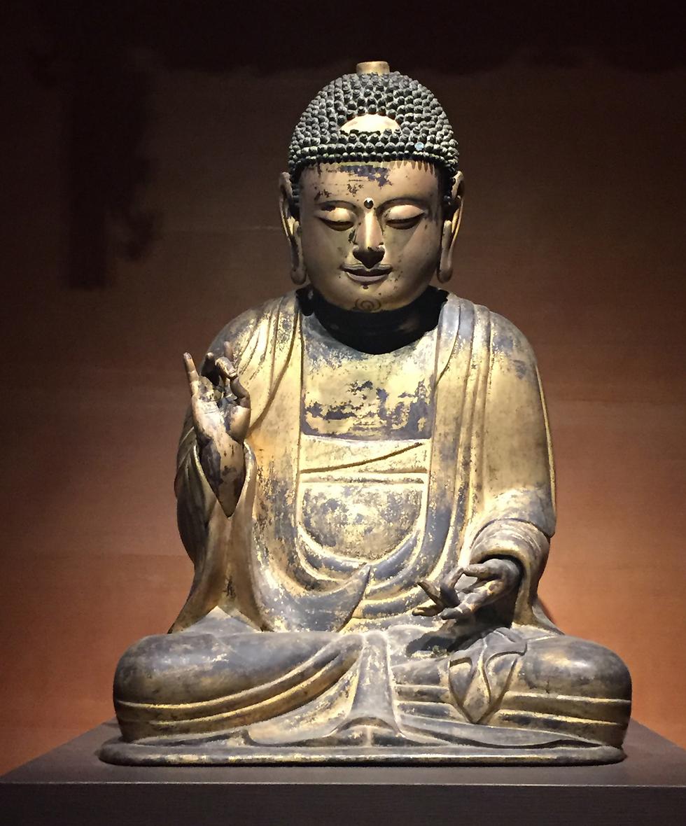 פסל בודהה בתנוחת המורה