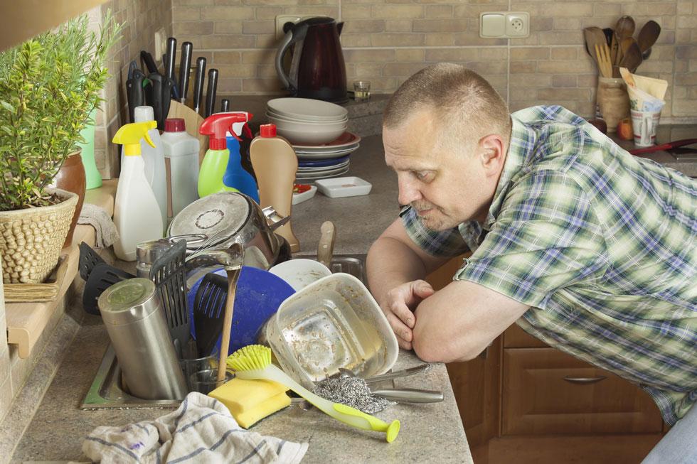 כלים שהם הבעיה של גבר אחר בעולם. צילום אילוסטרציה (צילום: Shutterstock)