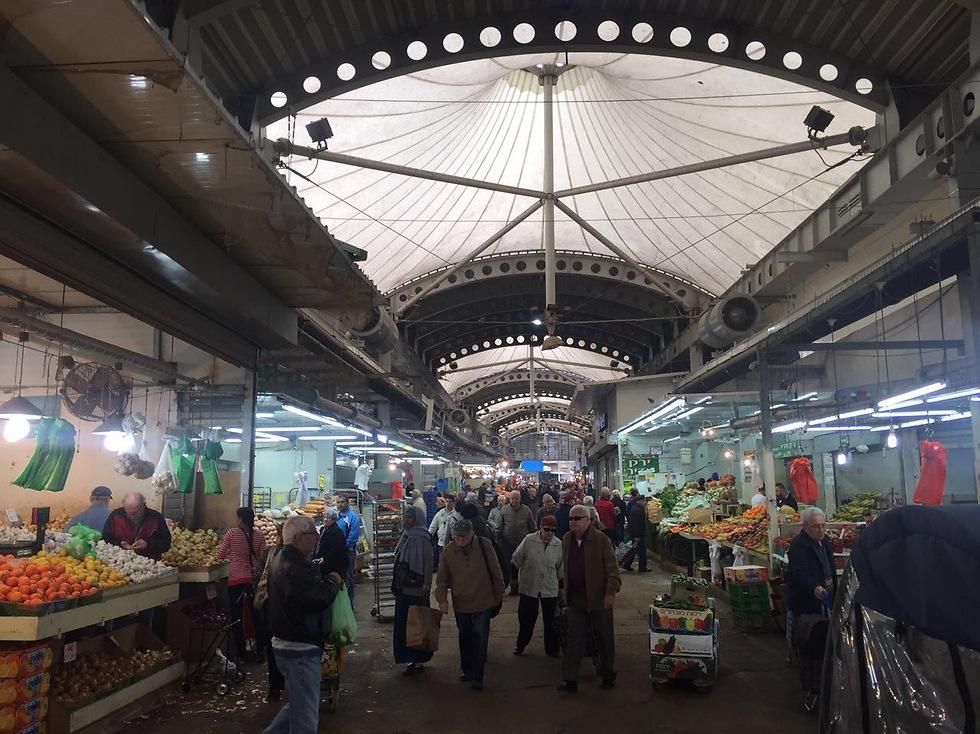 הפתעה נעימה בשוק פתח תקווה (צילום: גיא גמזו) (צילום: גיא גמזו)
