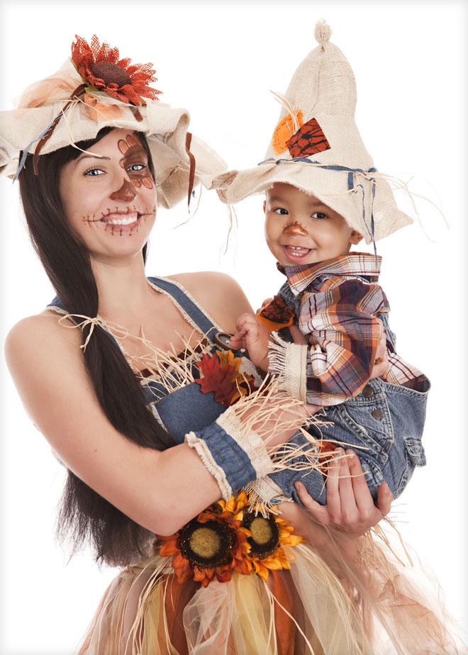 """התחפושת """"חייבת לקחת את הפרס"""", שמאחוריה עומדת אמא שחלמה ללמוד אופנה, אבל איכשהו סיימה כלבורנטית במעבדה (צילום: Shutterstock)"""