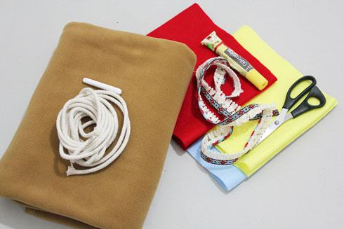 חומרים להכנת השמלה (צילום: חני הרשקוביץ')