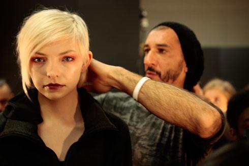 """""""התצוגה המשמעותית ביותר שעשיתי בחיים"""". אמיליו בשבוע האופנה בניו יורק (צילום: בבוקשה הפקה)"""