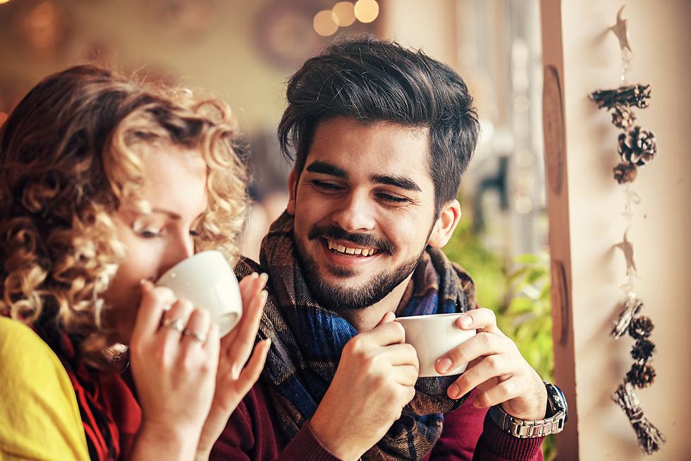 שימו לב להערות הקטנות של בני הזוג שלכם, אלו הם ניסיונות לקבל קצת תשומת לב (צילום: Shutterstock)