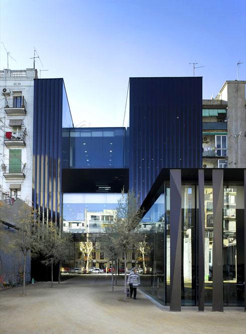 3 אדריכלים ספרדים קטפו את פרס הפריצקר. לחצו כדי להכיר את עבודתם (צילום: Eugeni Pon)
