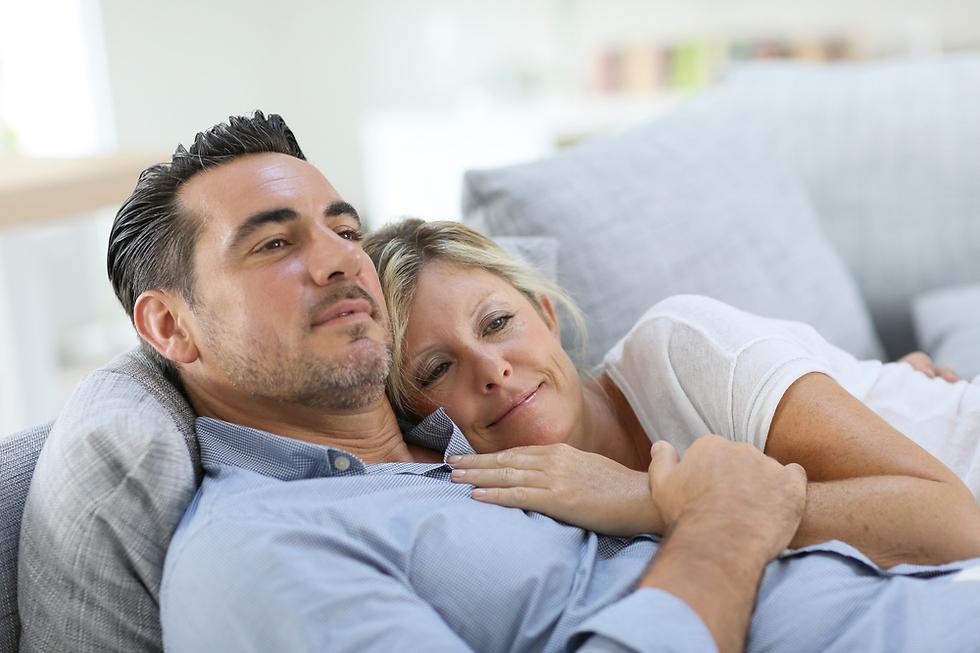 מישהו להתרפק עליו אחרי כל הקרבות שהחיים עצמם מזמנים (צילום: Shutterstock)
