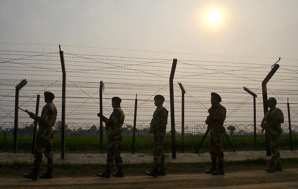 התערבות הודו באפגניסטן - קו אדום לפקיסטנים (צילום: AFP)