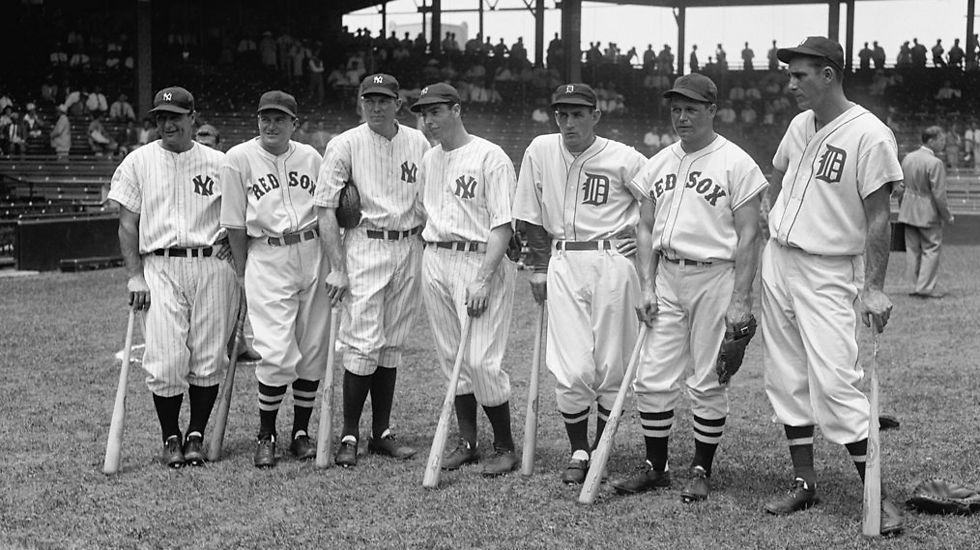 האנק גרינברג (מימין) באולסטאר 1937 יחד עם ג'ו דימאג'יו, לו גריג ועוד (צילום: מתוך ויקיפדיה) (צילום: מתוך ויקיפדיה)