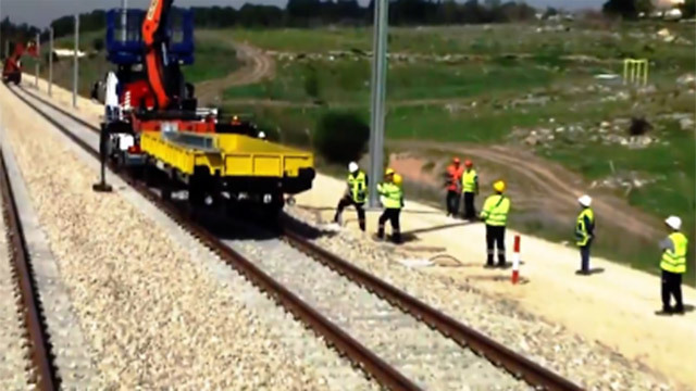 העבודות ברכבת (צילום: אלי מנדלבאום)