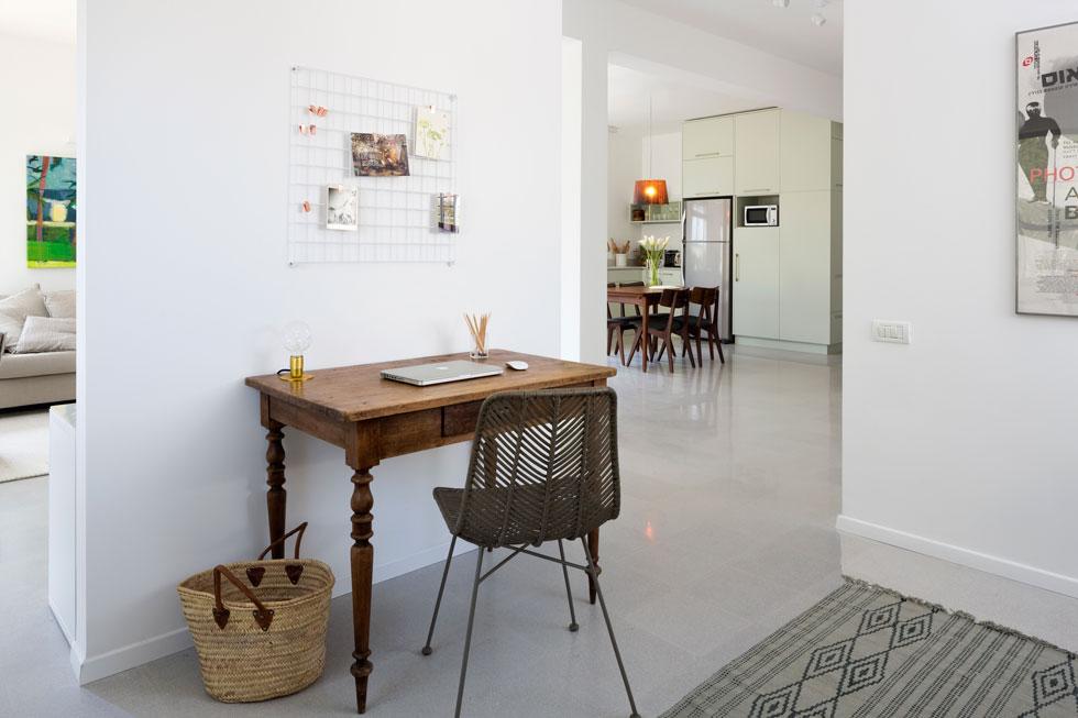 דירה בעיצוב רוני ברטל. ''לסגור הכל מראש, כולל אופציות לשינויים'' (צילום: שי אפשטיין)