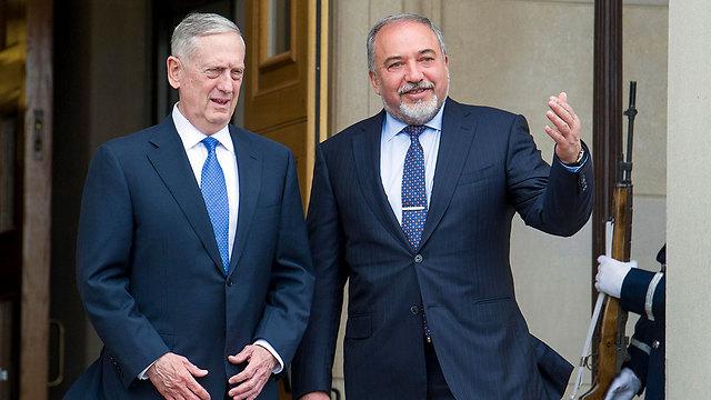 Mattis with Defense Minister of Israel, Avigdor Lieberman (Photo: AP)