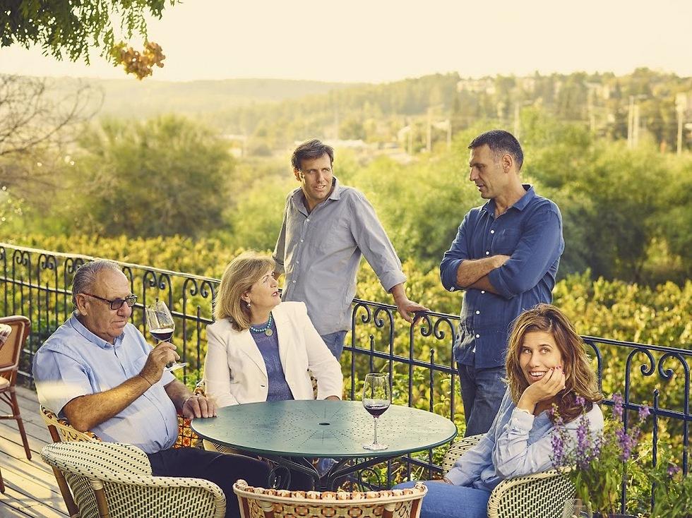 הכל עובר במשפחה. משפחת פלם (צילום: דן פרץ) (צילום: דן פרץ)