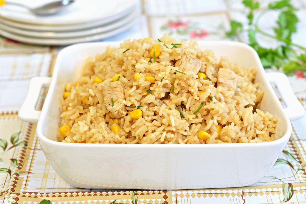 אורז עם חזה עוף ותירס (צילום: אפרת סיאצ'י)