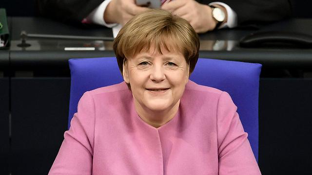 """ביקורת על מרקל בעימות: """"הדרך שלה יצרה בעיה אדירה לאירופה"""" (צילום: EPA)"""