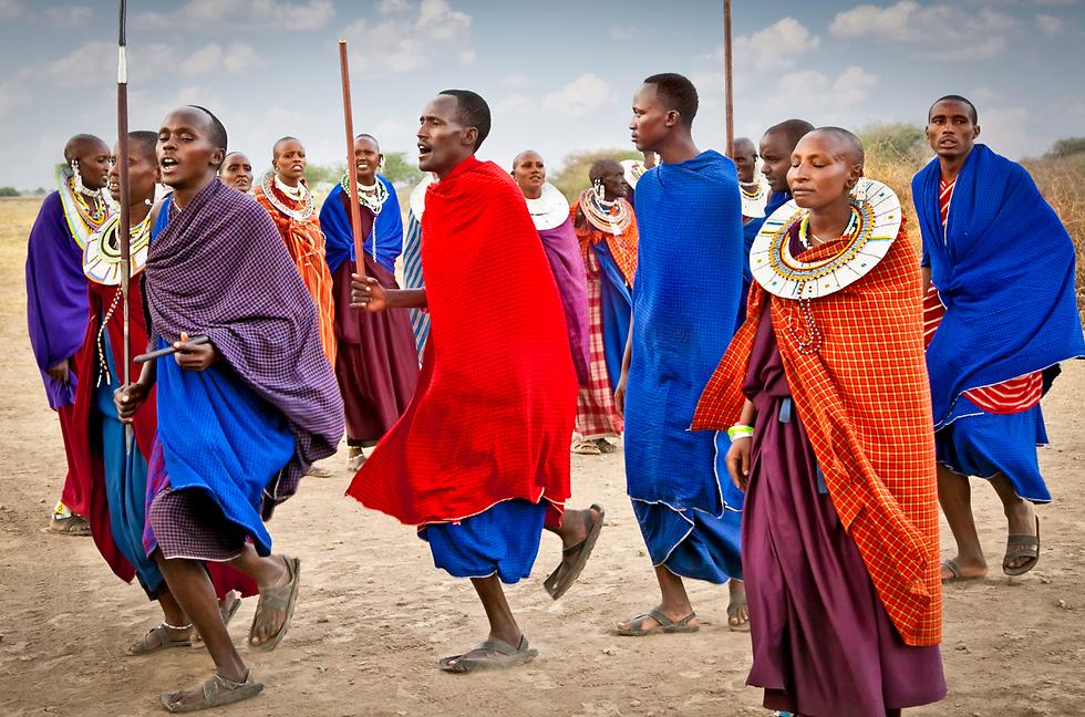 שבטי המסאי - גם הם בטנזניה  (צילום: shutterstock) (צילום: shutterstock)