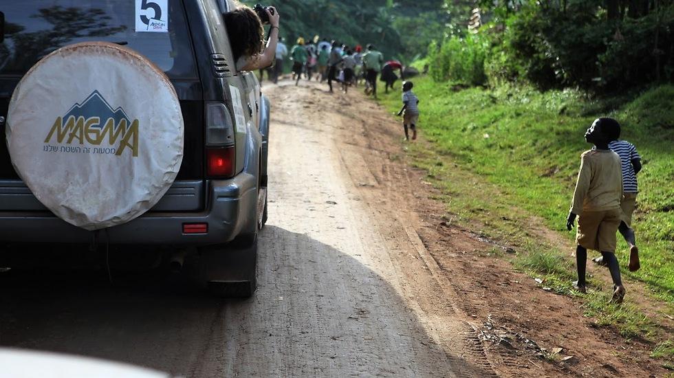 נוהגים בצד שמאל אבל מגיעים לכל מקום (צילום: נילה מרקס) (צילום: נילה מרקס)
