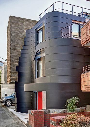 בניין מגורים בעיצוב רון ארד בטוקיו