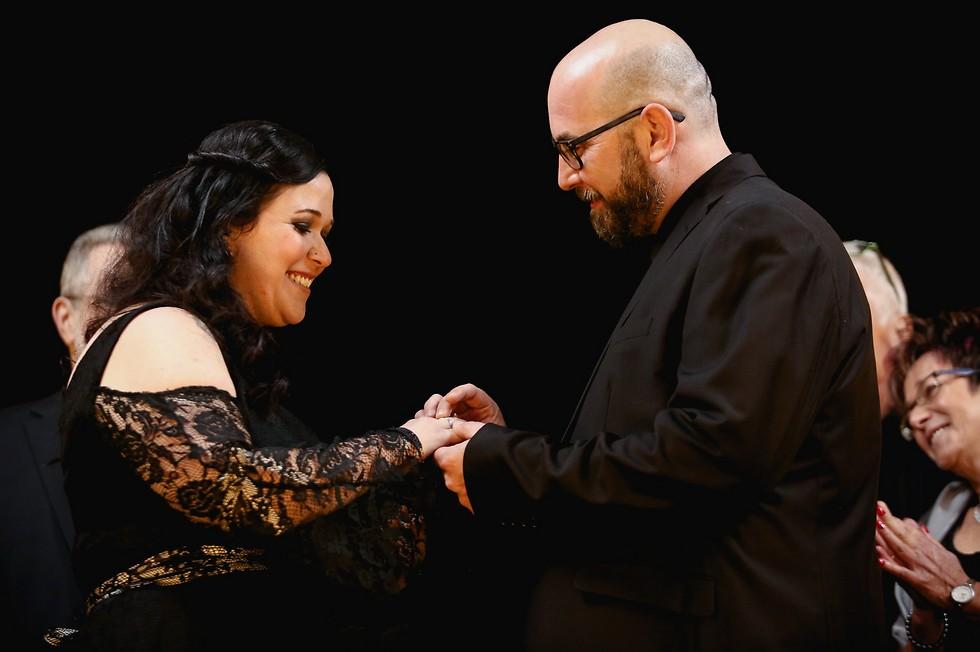 כלה שחורה וחתונה שחורה. גל וחן (צילום: פוטוגנים)