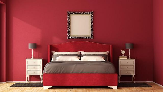לא מומלץ - שימוש באדום בחדר השינה  (צילום: ניר עצמון)