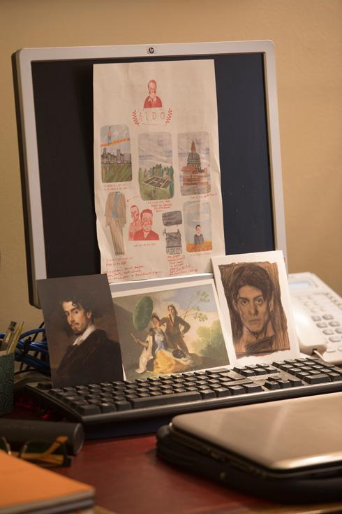 פינת המחשב, בבית ששומר על אופיו המסורתי כבר עשרות שנים (צילום: טל ניסים)
