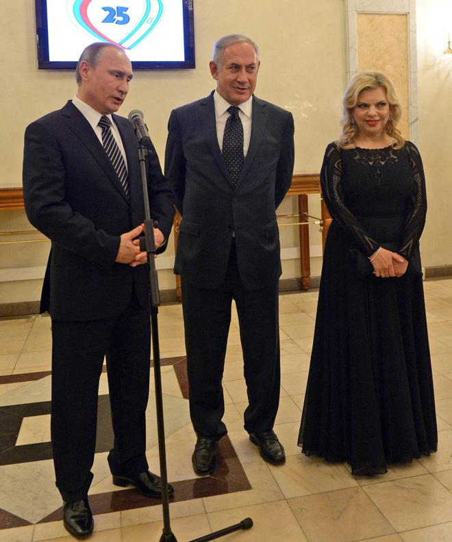 """שרה נתניהו בשמלה של אלון ליבנה בביקור ברוסיה (צילום: חיים צח, לע""""מ)"""