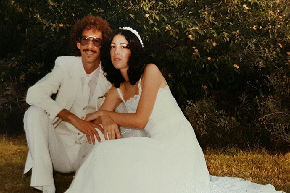 """נורית אביב וקלייב מוסיקנט בחתונתם. """"כשהוא הציע לי להתחתן איתו, הסכמתי, אבל לא הייתי מאושרת"""" (רפרודוקציה: יאיר שגיא)"""