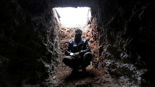 המטרה: להרוס את המנהרות במכה. בבונקר של דאעש (צילום: רויטרס) (צילום: רויטרס)