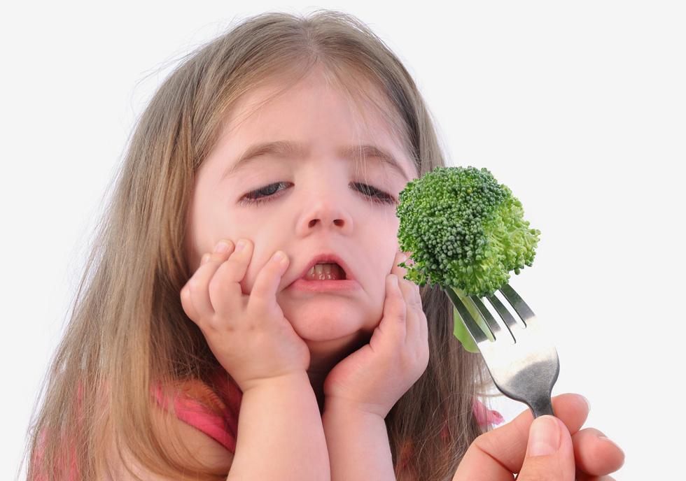 שימו 15 פעמים קערית עם ברוקולי על השולחן - בפעם ה־15 ילדיכם יתפתו לטעום (צילום: Shutterstock)