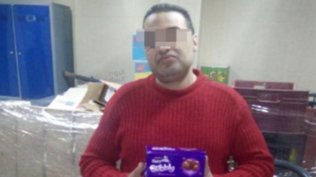 טען שלא רצה לאכזב את הבן שלו שראה ילדים אחרים אוכלים שוקולד ברחוב. א-דין