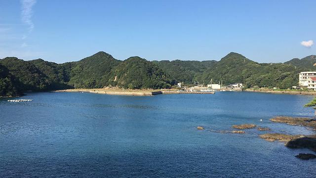 הנוף הנשקף ממרפסת המלון שכלו ממוקם על אי בעיירה קאצורה (צילום: שירי הדר)