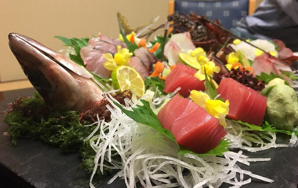 את ארוחת הסושי והדגים הזאת תשמרו לערב קודם (צילום: שירי הדר)