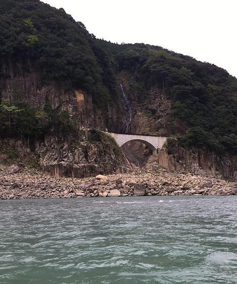 בסיום המסלול הרגלי תוכלו לנוח בשייט פסטורלי על הנהר באזור (צילום: שירי הדר)